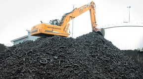 Removal of lava slag treated with CO2.
