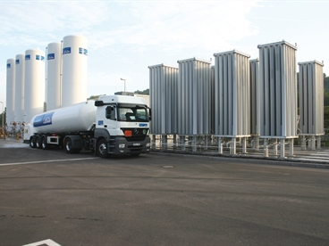Truck and Tanks for liquid gases at filling station Göllheim/Germany